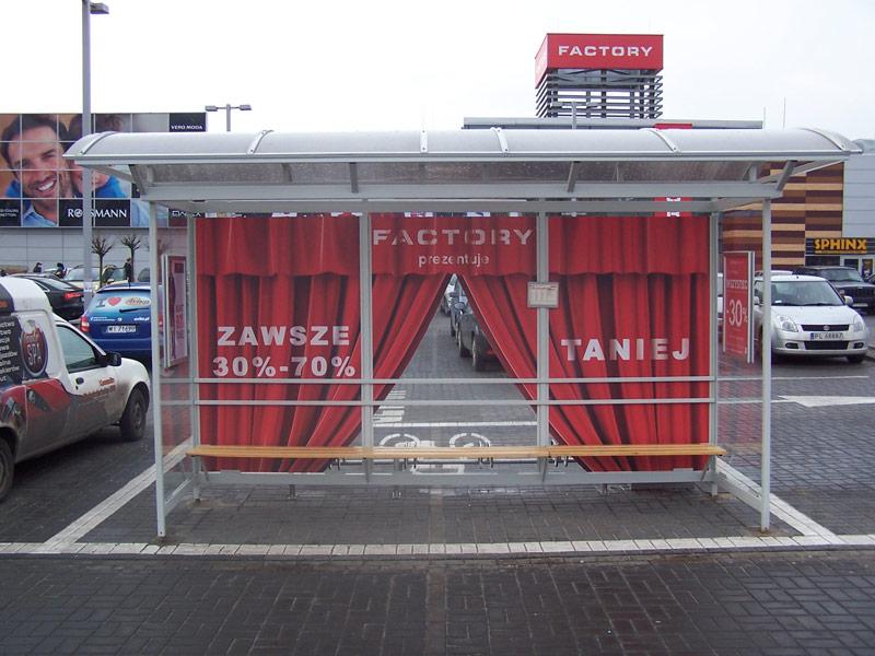 oklejenie-przystanku-autobusowego-dla-factory